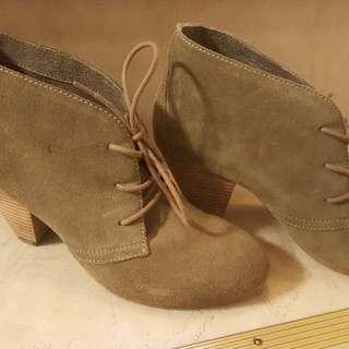 Aldo shoes size 8.5
