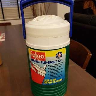 CLEARANCE SALE!!!                                              Brand New IGLOO Water Jug 1.9 Litres