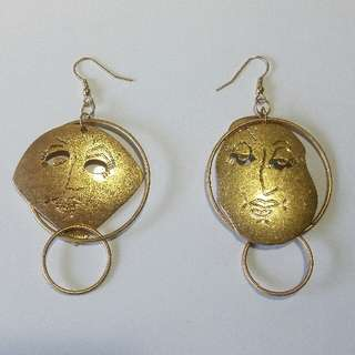 Gold Face O-Ring Hoop Earrings