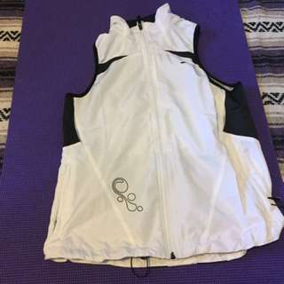White workout/ running vest brooks