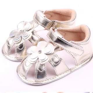 全新嬰兒學行鞋防滑鞋 J 內長12cm 13cm $25包郵'