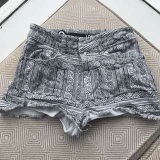 Lotus funky patterned high waisted shorts