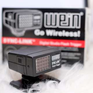 2nd hand Wein Sync Universal IR(Infrared) Flash Trigger to sell.