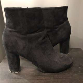 Rubi - Black Suede Boots 38