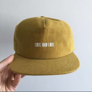 ADJUSTABLE DIRTY-YELLOW CAP!