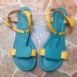 The Sandals Tosca Yellow Flat