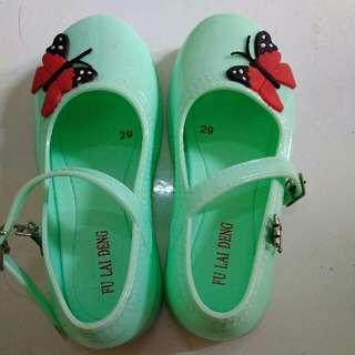 Sepatu jelly anak perempuan no. 29