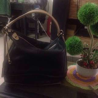Imported leather joy and peace bucket like, hand and shoulder bag