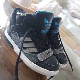 ADIDAS Runners, Size US8, Perfect Condition, Worn Only Few Times