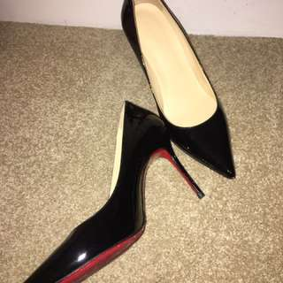 Christian Louboutin Look Leather Black Heels size 38