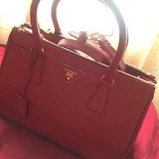 💯Authentic Prada Saffiona Lux Tote Bag