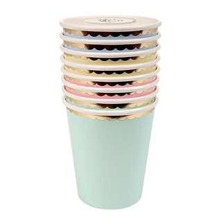 Scallop edge cups