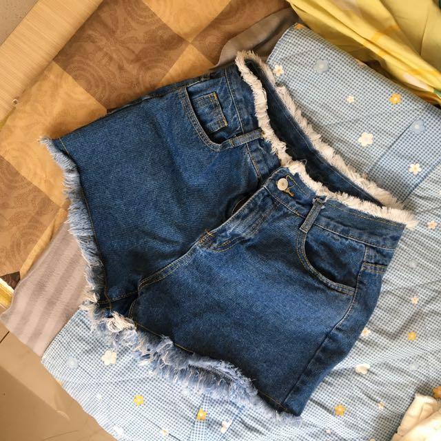 高腰牛仔短褲 抽鬚 藍色