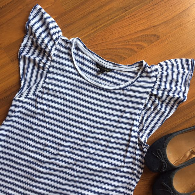 Authentic Banana Republic Winged Top