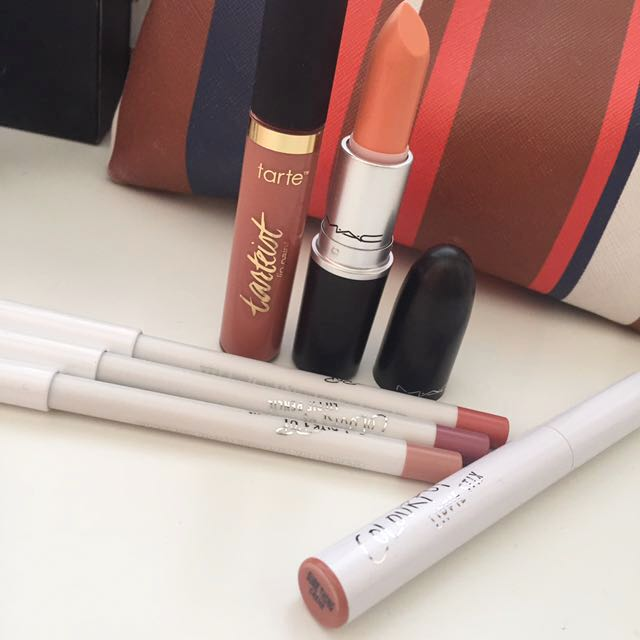 AUTHENTIC BRANDED LIPS