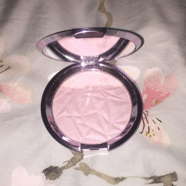 Becca Shimmering Skin Perfector in Prismatic Amethyst