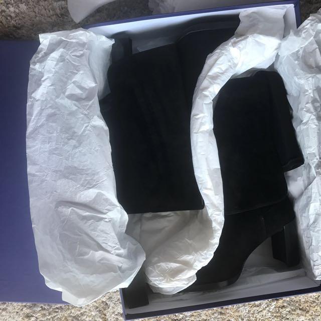 c28555e976e BNIB Stuart weitzman Lowjack boots
