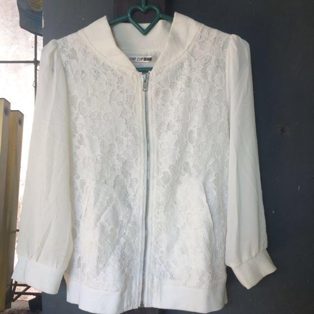 bomber jaket putih