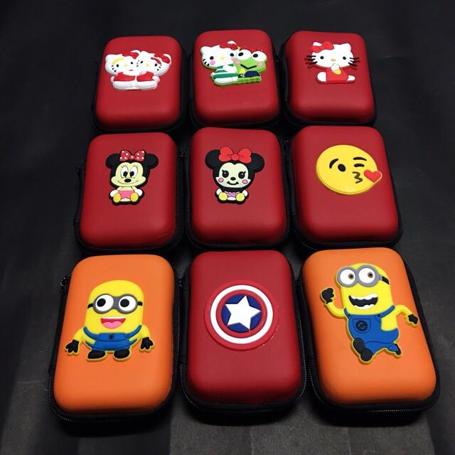 CHARACTER SQUARE EARPHONES POUCH