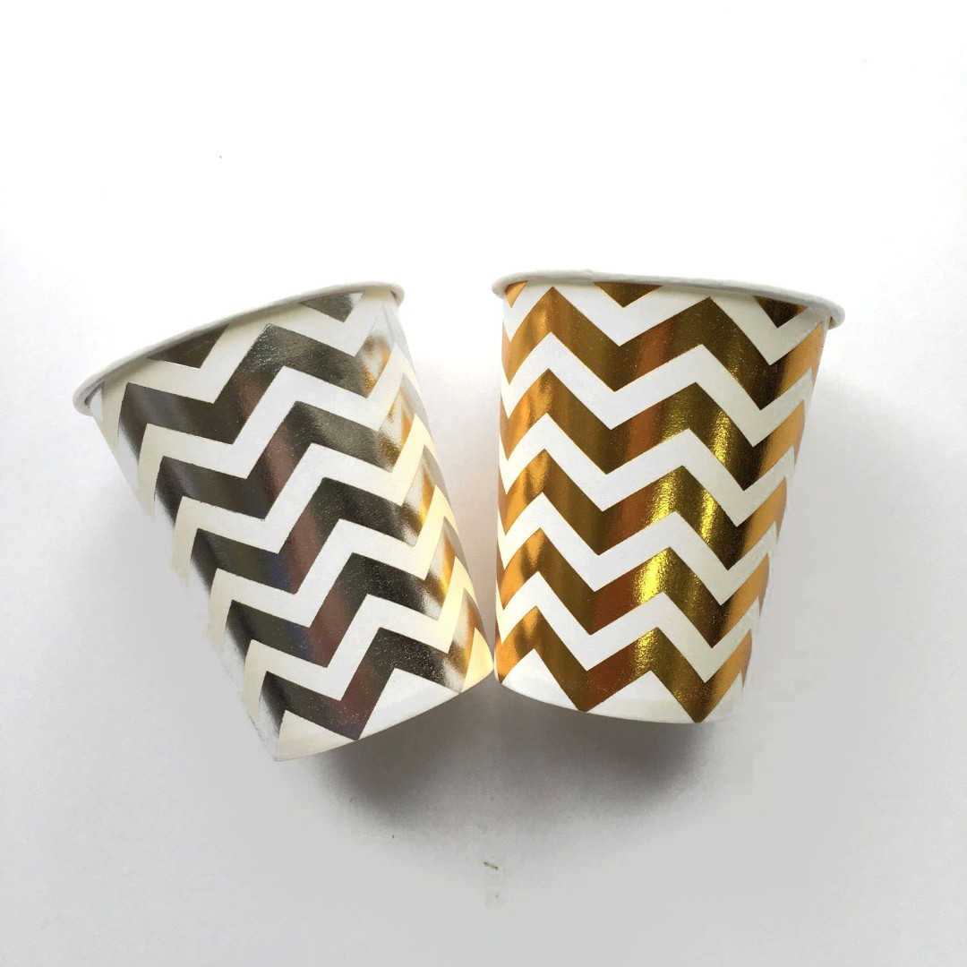 Chevron stripes cups by 10's ( gold /silver)