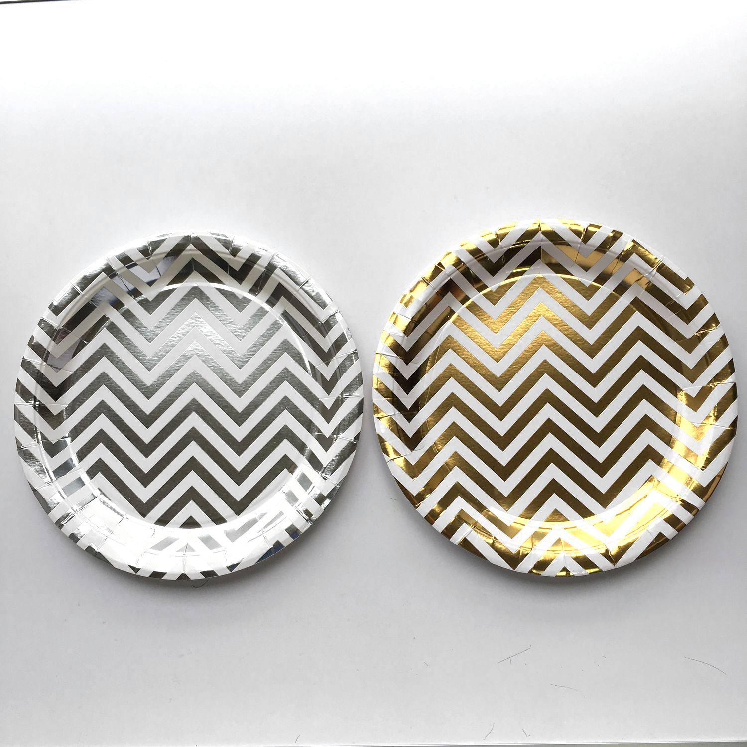 Chevron stripes plates (gold/silver) by 10's