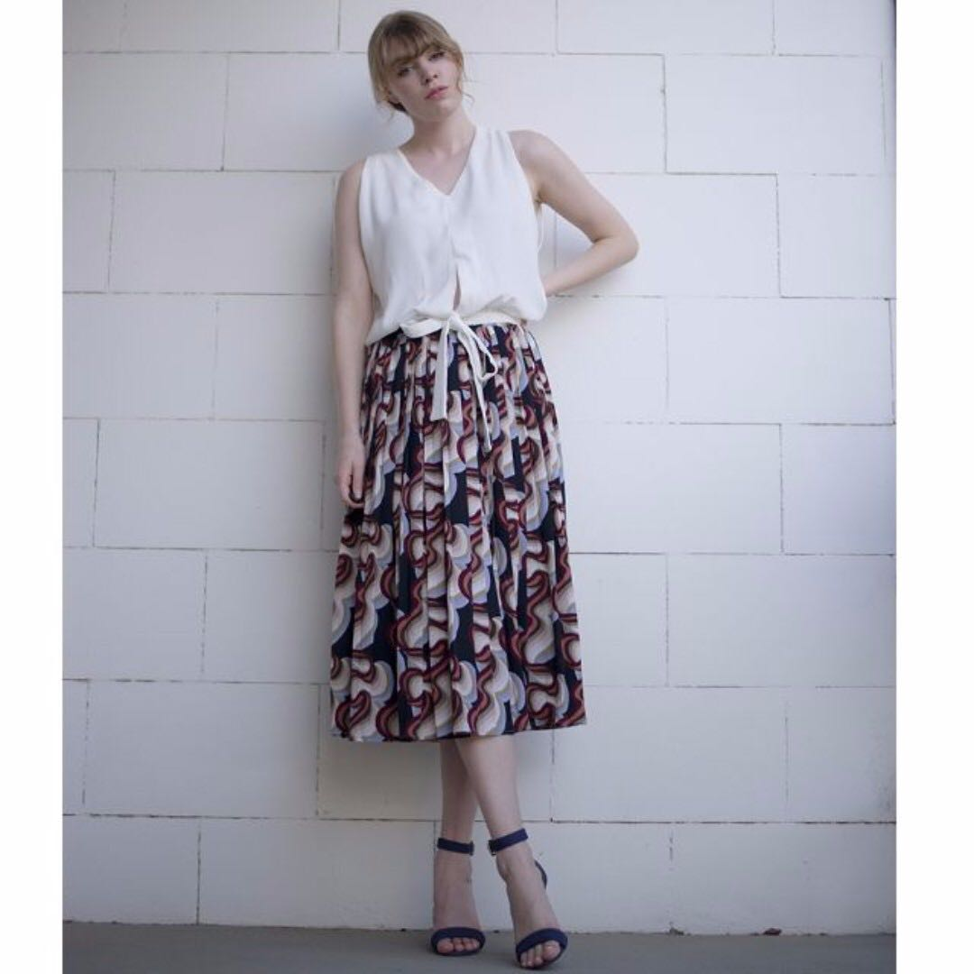 Elastic waist patterned midi skirt