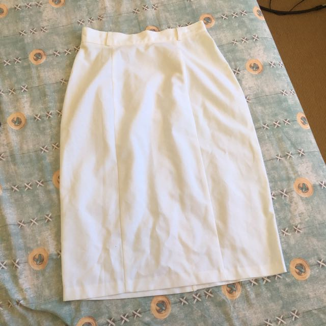 Katie's white skirt