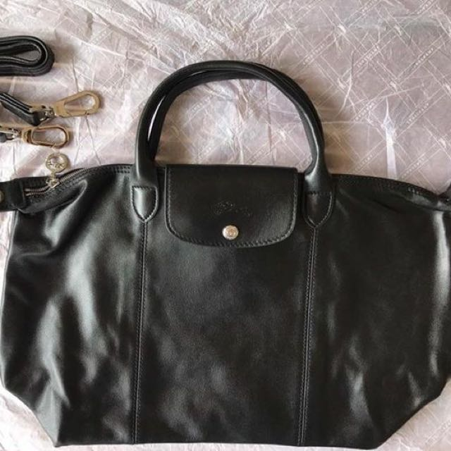 5e5aa4827c Last piece only!!! Sale!!! Longchamp le cuir medium leather black, Luxury,  Bags & Wallets on Carousell
