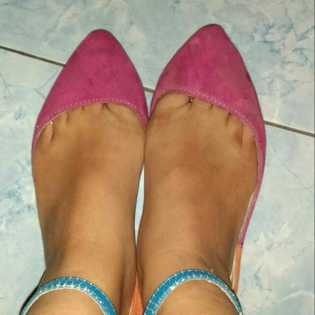 Marie Claire Point Flatshoes