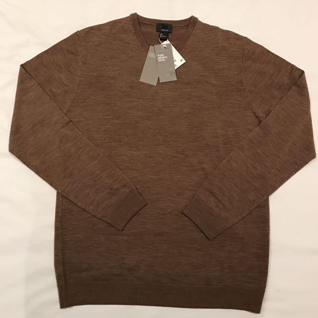 "[NEW - BNWT] - Size L ""H&M"" Premium Quality 100% Merino Wool V-Neck Long Sleeve Knit"