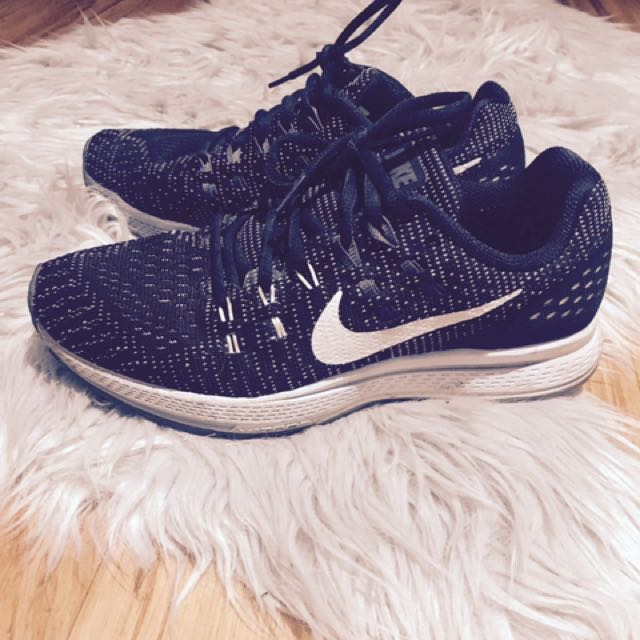 Nike Zoom Flyknit Black and White