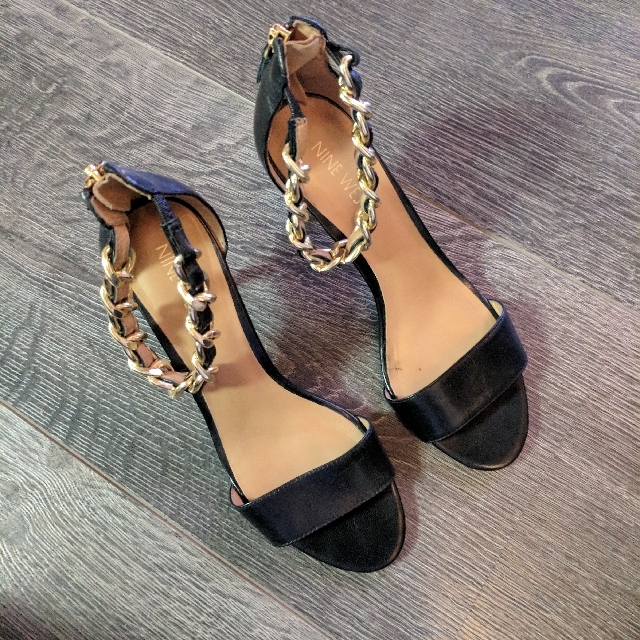 Nine West Sandals (size 6)