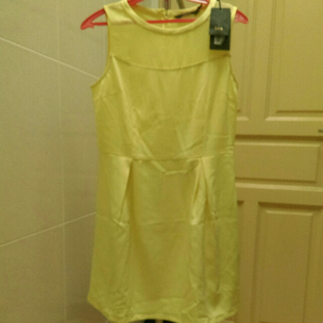 Nwt Bright Yellow Pleated Dress