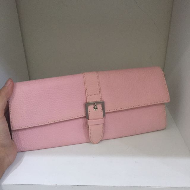 Pink clucth
