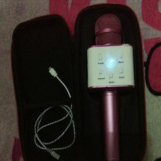Q7 WIRELESS BLUETOOTH MICROPHONE &HIFI Speaker