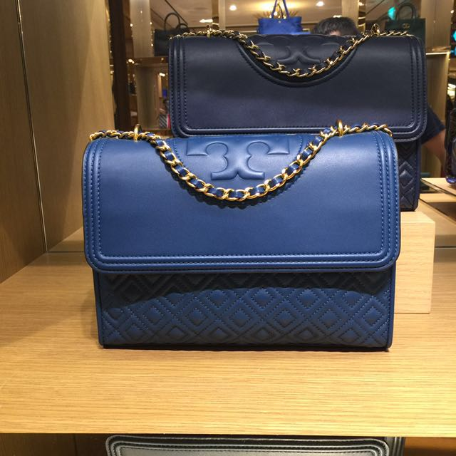 a96168574a68 READY STOCK BN Authentic Tory Burch Fleming Convertible Shoulder Bag ...