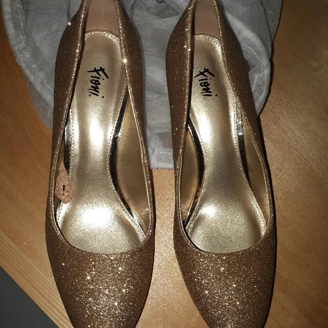 Sepatu Gold Merk Fioni
