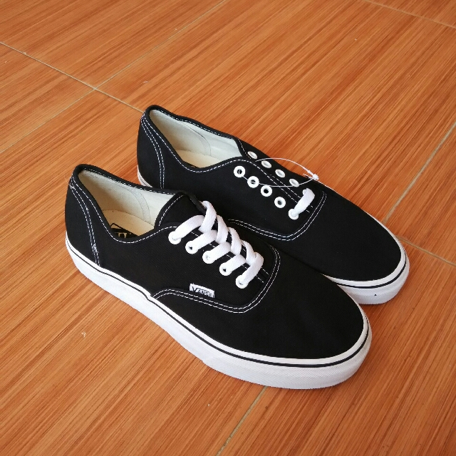 Sepatu Vans Authentic Black White d53dd05e9d