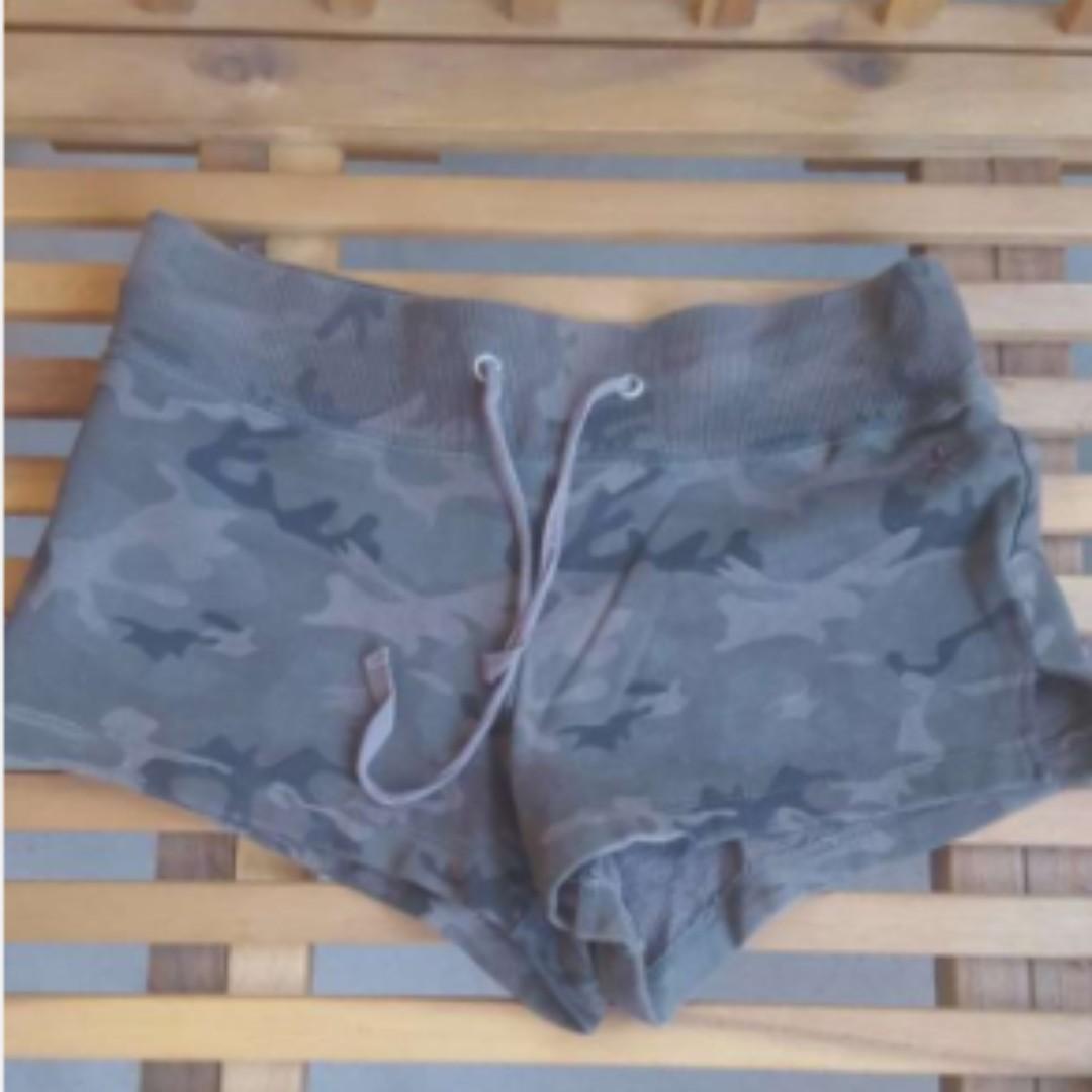Size XS Camo Pattern Shorts Halloween