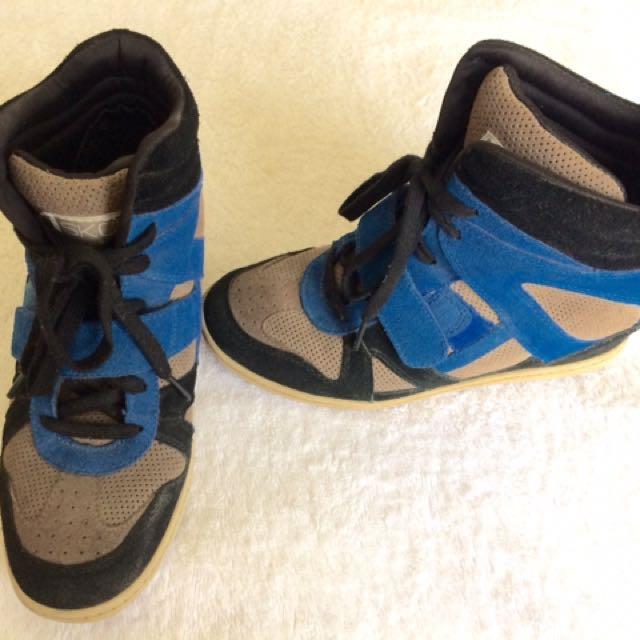 Skechers' Hidden Wedge Sneakers SKCH +3