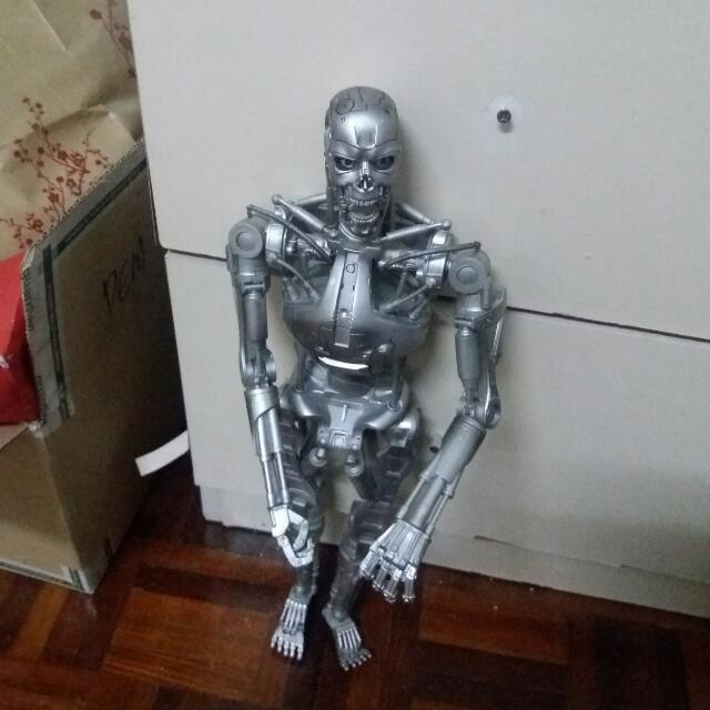 Terminator T 800 Endoskeleton Toys Games Other Toys On Carousell