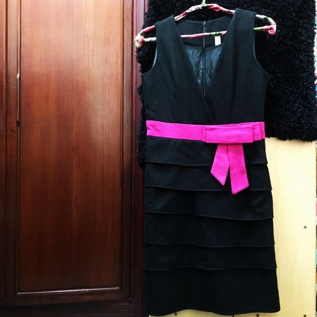 黑色深V毛料洋裝 Made In Korea