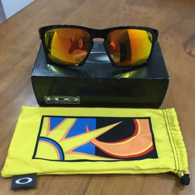 5e11b422aa Valentino Rossi Collection Oakley VR46( Price further Revised ...