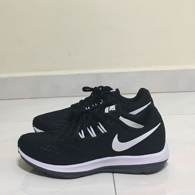 buy online 868eb 66445 WMNS NIKE ZOOM WINFLO 4, Women's Fashion, Shoes on Carousell