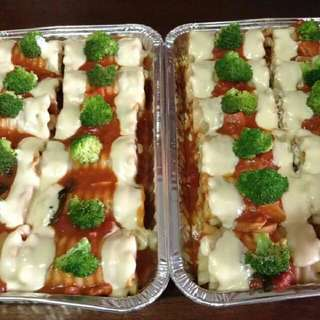 PARTY FOOD TRAYS (LASAGNA ROLLS)