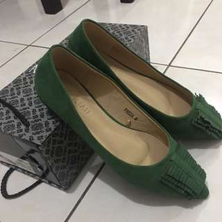 Dark green parisian flats size 6