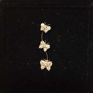 Mabelle 18K 750 26份 三隻 蝴蝶 單隻 鑽石 耳環 一排