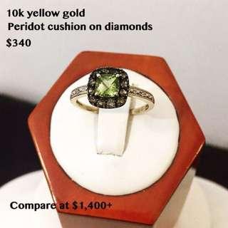 10k gold ladies green peridot diamond ring