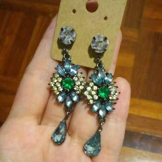 🆕*DISCOUNTED*Bejeweled Dangle Earrings
