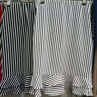 Raffle skirt stripe